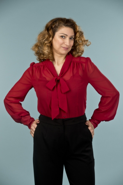 Emmy design The Busy Bow Blouse Wine i gruppen Rea! / Dam / Toppar, jackor etc hos Sivletto - Skylark AB (14104002)