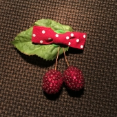 Raspberry bow hair clip