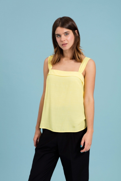 Emily and Fin Trudy Top Yellow i gruppen Udda-disk / Dam / Toppar etc hos Sivletto - Skylark AB (w12787)