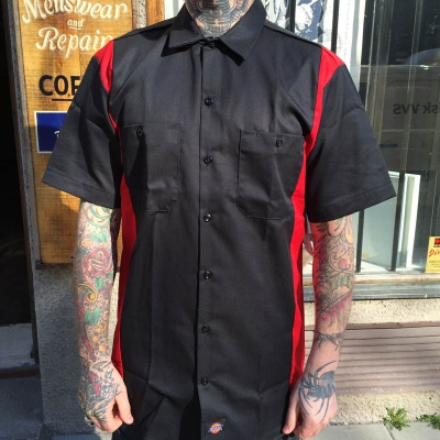 Dickies S/S Two Tone Black/Red Shirt i gruppen  hos Sivletto (w8424)